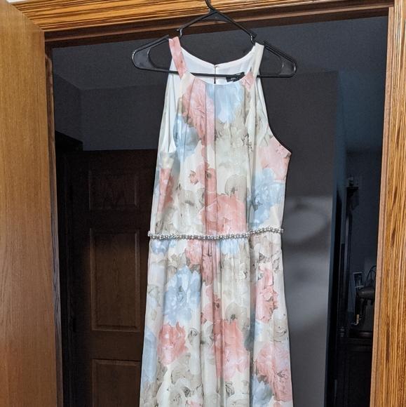 SLNY Dresses & Skirts - SLNY maxi dress